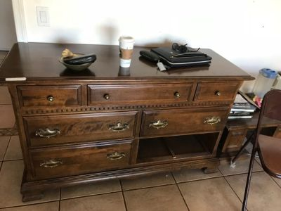 Ethan Allen dresser with two side night tables