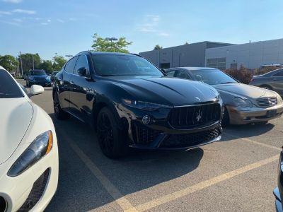 2019 Maserati Levante (black)