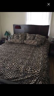 Queen size comforter set with 2 pillow shams and 6 additional decorative pillows