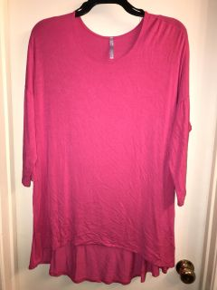 Hot Pink High Low Top. Size XL (fits like a 1X)