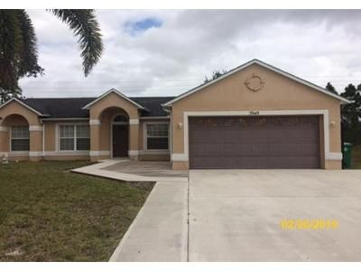 3 Bed 2 Bath Foreclosure Property in Port Saint Lucie, FL 34986 - NW Baynard Dr