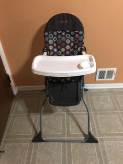 Cosco simple fold full-size high chair with adjustable tray