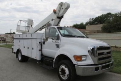 Sign Crane for sale Used Versa-Lift LT 62 mounted on 2006 Ford F650 chassis