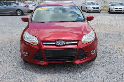 2012 Ford Focus SE (RED)