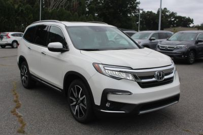 2019 Honda Pilot (White Diamond Pearl)