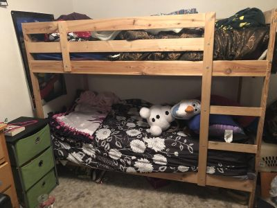 Bunk beds w/ Olaf and a single twin mattress