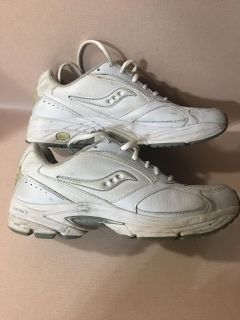 LIKE NEW SAUCONY WOMEN S TENNIS SHOES SIZE 9