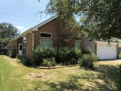 3 Bed 2 Bath Foreclosure Property in Pearland, TX 77584 - S Peach Hollow Cir