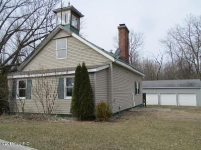 1 Bed 1 Bath Foreclosure Property in Bronson, MI 49028 - W Colon Rd