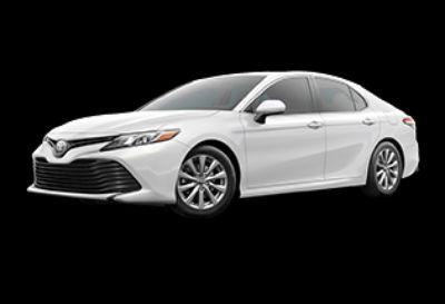 2019 Toyota Camry LE (Super White)