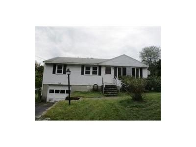 3 Bed 1 Bath Foreclosure Property in Leominster, MA 01453 - Woodside Ave