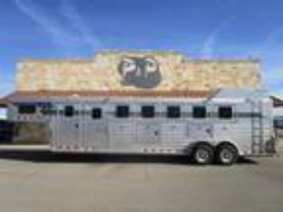 2011 4-Star Trailers 6 Horse Trainers w Air Ride