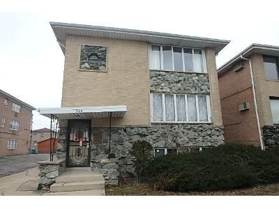 8 Bed 3 Bath Foreclosure Property in Calumet City, IL 60409 - Yates Ave