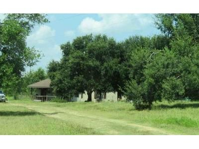 3 Bed 2 Bath Preforeclosure Property in Brenham, TX 77833 - Ellermann Rd