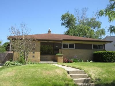3 Bed 1.5 Bath Foreclosure Property in Milwaukee, WI 53225 - W Arden Pl