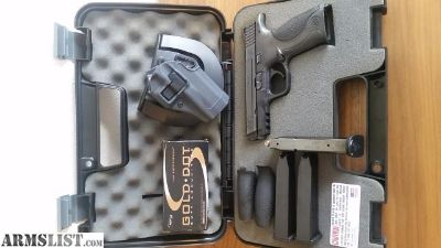 For Sale: Smith & Wesson M&P 40 w/ Extras
