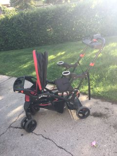 BabyTrend Sit-to-stand stroller