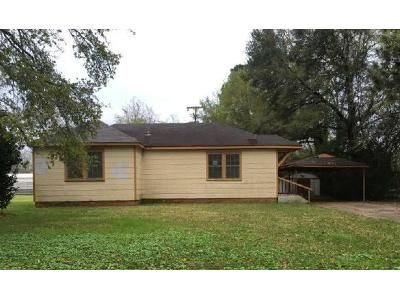 3 Bed 2 Bath Foreclosure Property in Opelousas, LA 70570 - Cherokee Dr