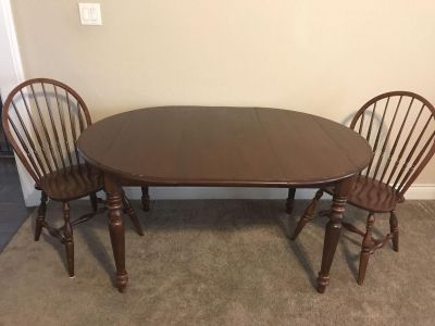 Ethan Allen Table and 2 chairs
