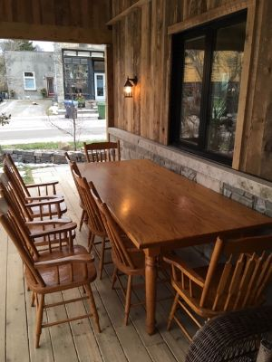 MENNONITE MADE OAK TABLE & CHAIRS