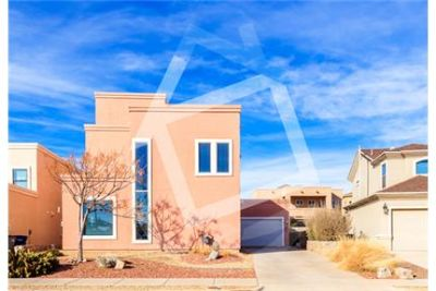 Immaculate 4 bed/3 bath contemporary home in NE