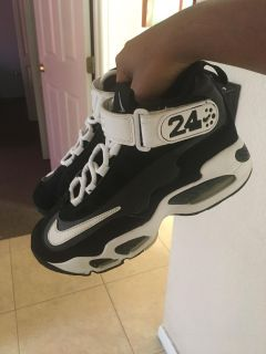 Nike Air Griffey Max 1 Black White GS Youth size 5y- 437353-001