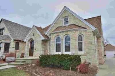 2614 N 62nd St Wauwatosa Three BR, Great home available in East