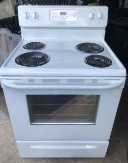 Self cleaning Frigidaire stove