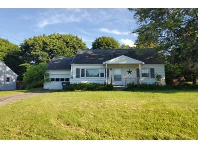 3 Bed 1.5 Bath Preforeclosure Property in Camillus, NY 13031 - Sherwood Dr