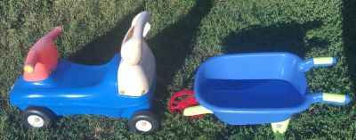 Little Tikes Toy Faded From Sun But Other Than That it s Fine. Child Plastic Wheel Barrel Both For One Price.