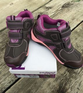 NEW! Pediped Girls Hikers, Size 1
