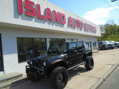 2012 Jeep Wrangler Unlimited Sahara (Black)