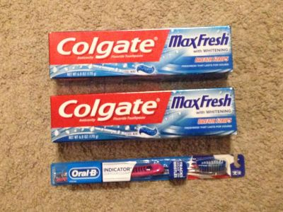 Toothpaste/Toothbrush Lot