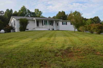 1138 Stanton Rd Seymour Three BR, Bring the livestock and move