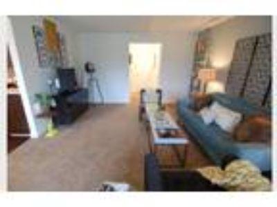Hamilton Square Apartments - 2 BR