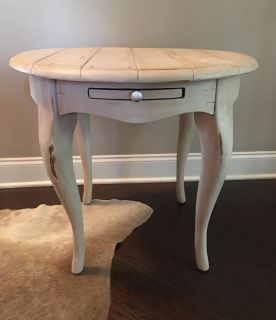 Solid Wood End/Accent Table