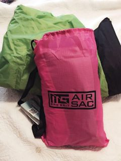 2 Mad Grit Air Loungers - New
