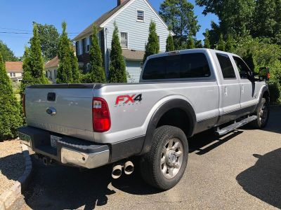 2016 Ford F-350 Lariat 4x4 crew cab 8 ft bed