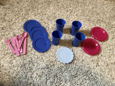 Play kitchen place settings