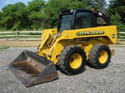 2000 John Deere 260