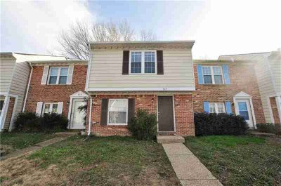 917 Ketch CT CHESAPEAKE Three BR, Beautiful townhome with granite