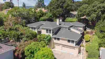 10135 Scenic Blvd CUPERTINO Four BR, Elegant and contemporary