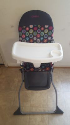 Cosco Simple Fold Full Size High Chair.