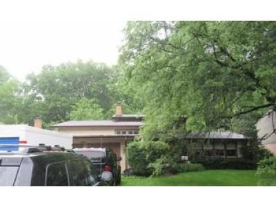 3 Bed 2 Bath Foreclosure Property in Highland Park, IL 60035 - Twin Oaks Dr