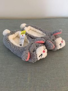 Brand New- Grey Critter Slippers - Size M (7-, NWT