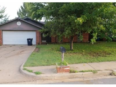 3 Bed 2 Bath Preforeclosure Property in Noble, OK 73068 - Forest Hills Dr
