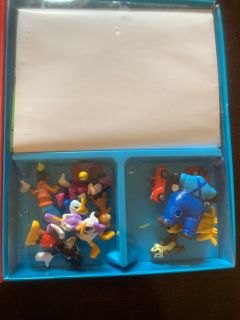 Mickey Mouse clubhouse book with figurines