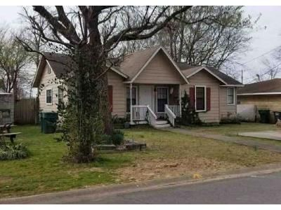 3 Bed 1 Bath Foreclosure Property in Conway, AR 72032 - 5th St