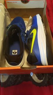 Boys youth size 2 nike shoes