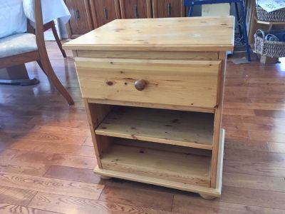 Solid wood night stand bedside table